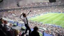 Macron věří, že úspěch týmu složeného z potomků migrantů zemi sjednotí