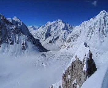 Jaroš vylezl na Lhotse, má už dvanáctou osmitisícovku