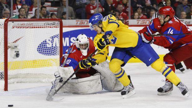 Švédové porazili Rusy 4:1 a mají nejblíže k prvenství na turnaji