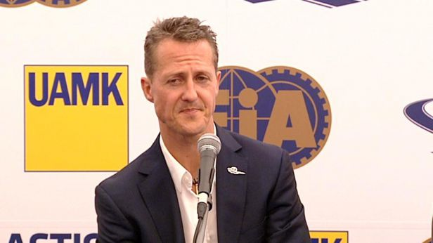 Schumacher je po nehodě na lyžích v kritickém stavu a leží v komatu
