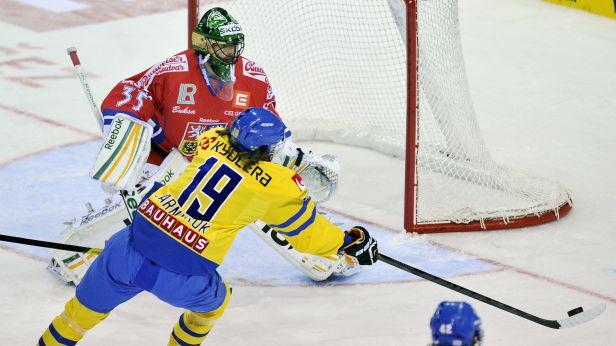 Češi začali Karjalu vítězstvím se Švédy, zářil gólman Salák