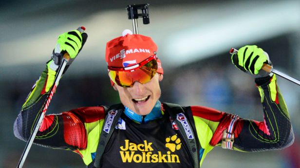 Bronz s příchutí zlata – biatlonisté slaví historickou medaili
