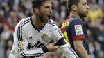 Sergi Ramos slaví vítězný gól v utkání s Barcelono...