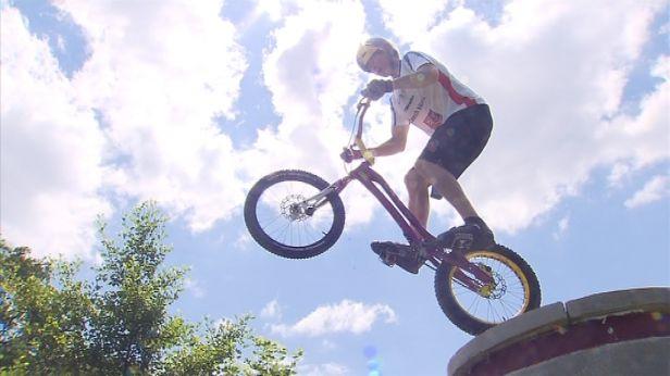 Biketrialista Kolář má krůček k titulu mistra světa