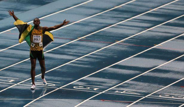 Bolt triumfoval ve sprinterském finále časem 9,77