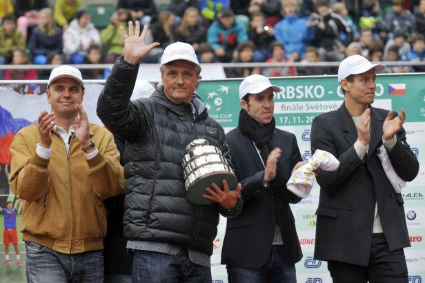 Oslavy Davis Cupu propukly, tenisty vítala v Prostějově plná aréna