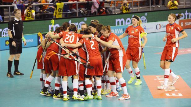 České florbalistky otevřely domácí turnaj porážkou se Švýcarskem