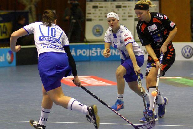 Herbadent v repríze superfinále porazil florbalistky Chodova 5:3