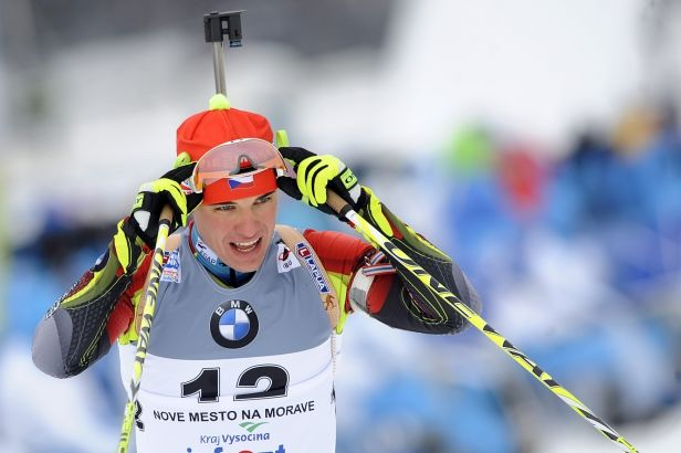 Krčmář ve sprintu dojel sedmý, biatlonistky vyhořely
