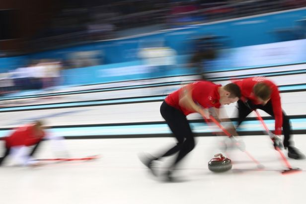 Kubeškovo kvarteto se probojovalo do semifinále curlingového Prague Classic