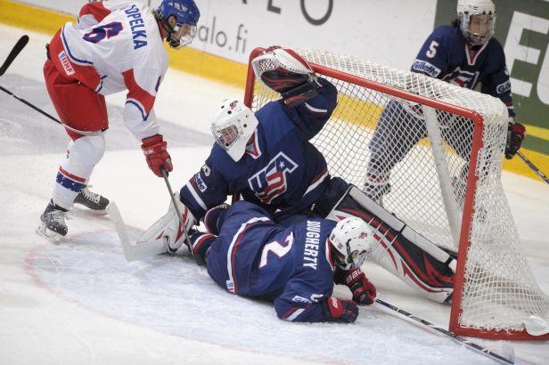 Mladí hokejisté nestačili na USA a Hlinkův memoriál zakončili šestí