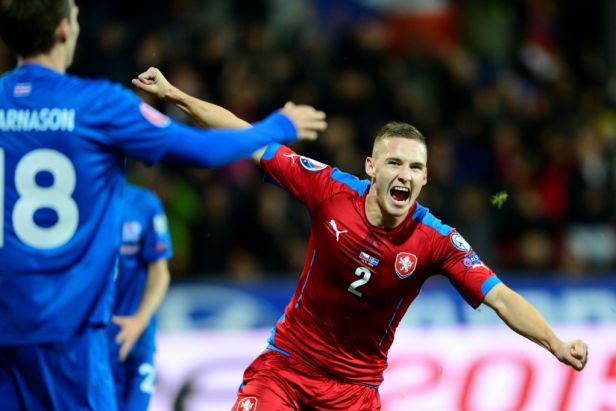 Češi otočili proti Islandu a přiblížili se Euru