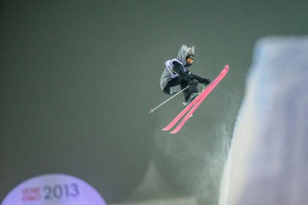 U-rampu lyžařů ovládl Smaine, mezi ženami triumfovala Faivreová