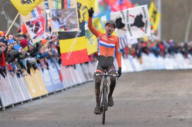 Pohárový cyklokros v Táboře vyhrál Nizozemec Van der Poel