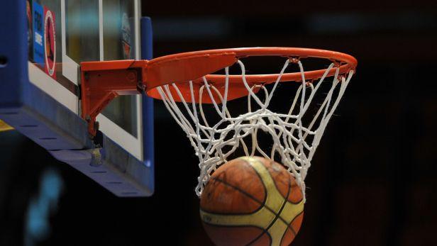 Finále poháru basketbalistek bylo odloženo kvůli pozitivnímu testu jedné hráčky