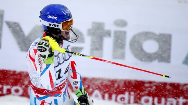 Francouz Grange překvapil vítězstvím ve slalomu
