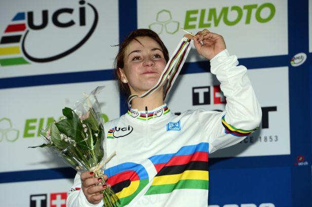 Na dráhařském šampionátu slavil v omniu Gaviria či ve sprintu Vogelová