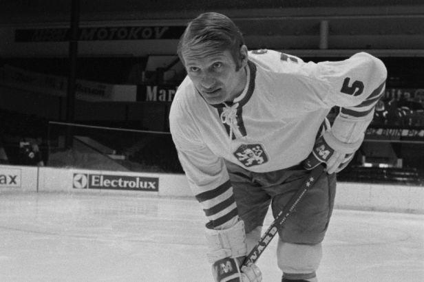 Zemřela hokejová legenda Jaroslav Holík