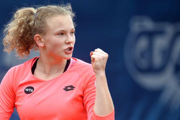 Tři Češky v semifinále. Postup slaví Plíšková, Hradecká a Siniaková