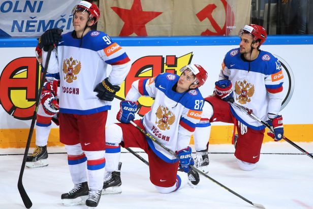 Rusové po porážce prchli z ledu. Je to nedostatek respektu, zlobí se Fasel