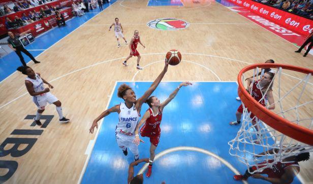 Basketbalistky Srbska se ve finále střetnou s Francií
