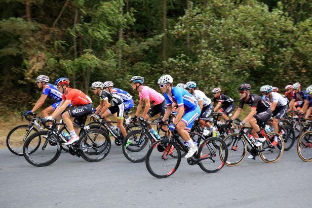 König nestíhal a odpadl, do vedení Czech Cycling Tour se dostal Gaviria