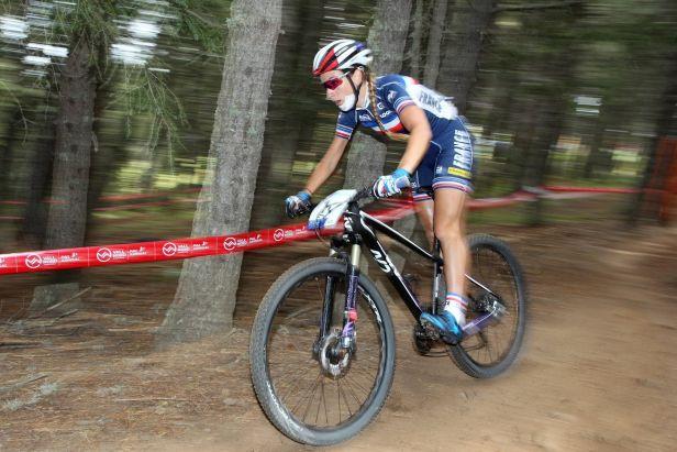 Bikeři zakončili sezonu v Snowshoe. Vyhráli Ferrandová-Prévotová a Forster