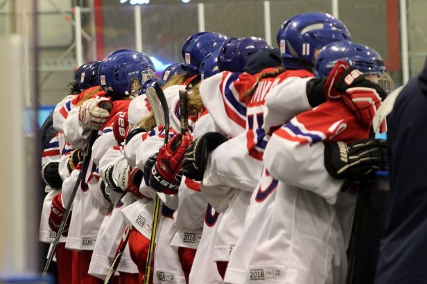 Hokejistky na zlato z OH mládeže nedosáhly, ve finále prohrály se Švédskem