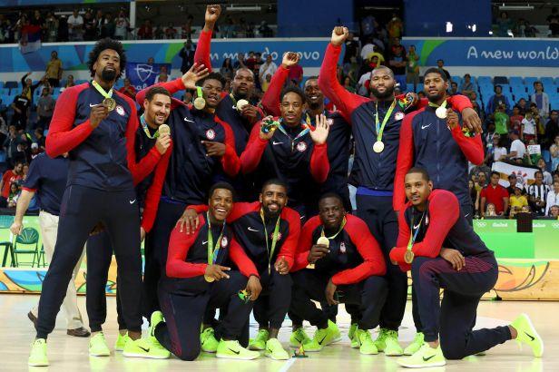 Američtí basketbalisté ve finále zničili Srby, bronz slaví Španělé