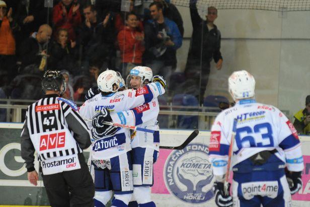 Olomouc odvrátila debakl, Kometa ale po výhře zůstává na čele