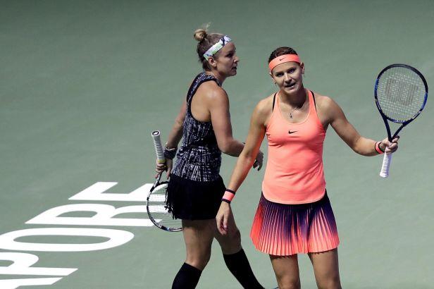 Šafářová na titul z Turnaje mistryň nedosáhla, ve finále čtyřhry byly Rusky lepší