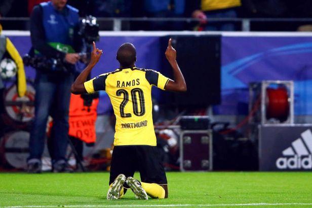Real vydřel ve Varšavě remízu 3:3, Dortmund slaví postup