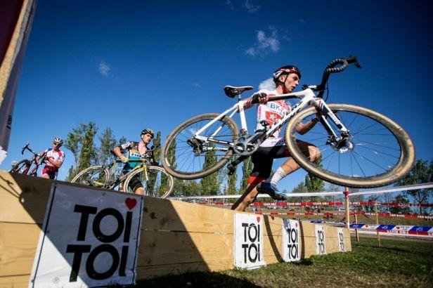 Začíná Český cyklokrosový pohár, na start ve Slaném se postaví i zahraniční jezdci