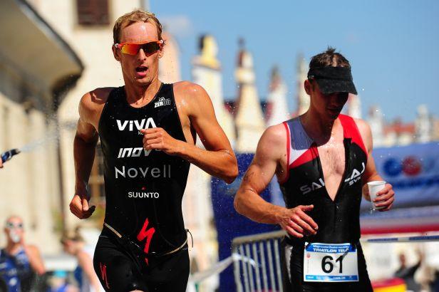 Triatlonový Challenge Prague vyhráli Belgičan Heemeryck a Britka Charlesová