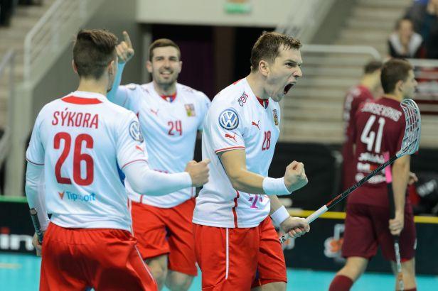 Češi mají čtvrtfinále na dosah, porazili Lotyšsko 9:3