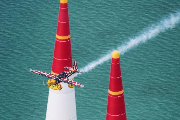 Šonka převzal vedení v Red Bull Air Race, i když na Balatonu skončil pod stupni vítězů