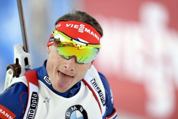 Fourcade si rekordním vítězstvím pohlídal zisk malého glóbu ve sprintu, Moravec dojel smolně druhý