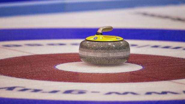 Klíma je na curlingovém Prague Classic bez porážky, o čtvrtfinále usilují i Šik s Kubeškou