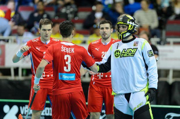 Čeští florbalisté si snadno poradili s Polskem a zahrají si semifinále proti Švédům