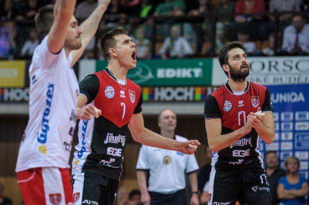 Jihostroj na úvod sezony zdolal Příbram, z výhry se raduje i Liberec a Kladno