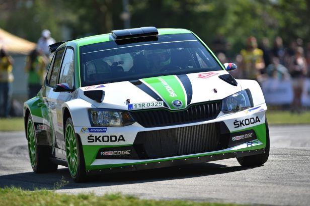 Kopecký je s přehledem ve vedení na Rallye Bohemia