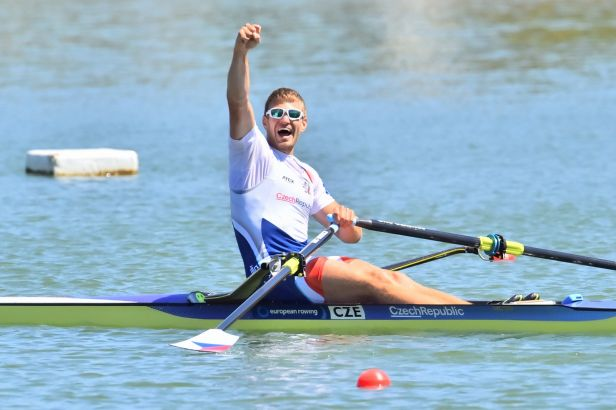 Suverénní Synek je ve finále, zbylí Češi o medaile nepojedou