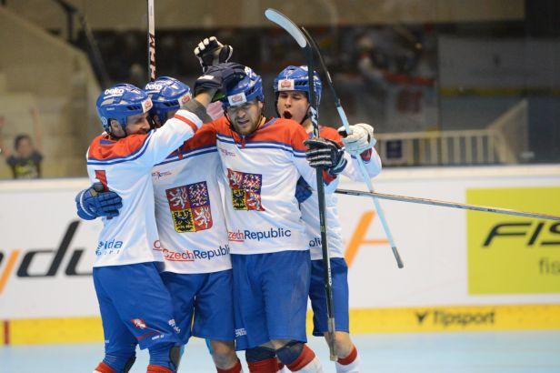 Hokejbalisté na šampionátu udolali urputného soupeře