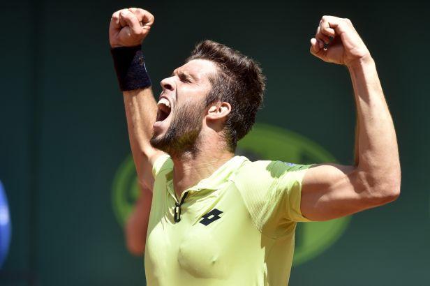 Veselý otočil finále s Delbonisem a získal třetí titul na Czech Open
