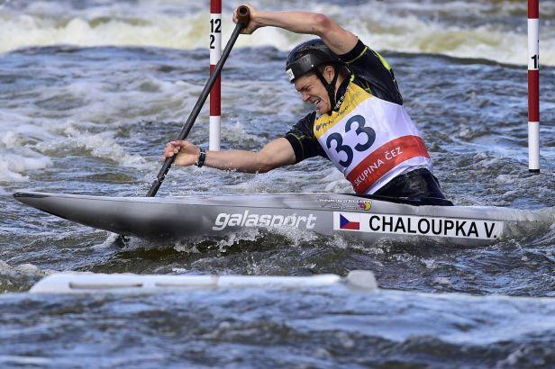 Česko má po 44 letech zlato ze slalomu. Chaloupka je mistrem světa, Gabriela Satková bere bronz