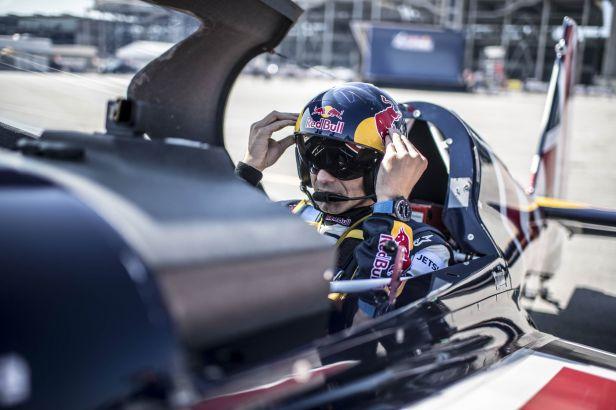 Pilot Šonka začal útok na titul rychlými časy v tréninku
