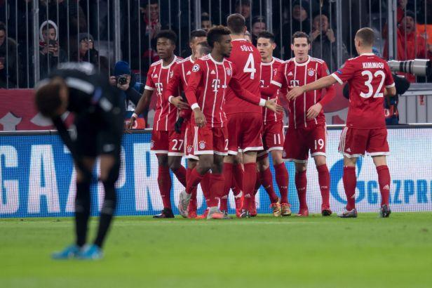 Duo z Basileje i Schick z Říma slaví postup do osmifinále. Bitvu gigantů ovládl Bayern