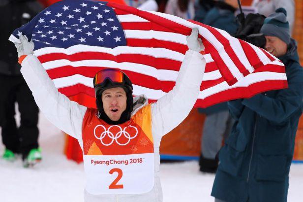 White se dočkal zlatého hattricku, o triumfu rozhodl závěrečnou jízdou