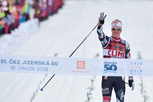 Obhájit vítězství na Jizerské 50 se podařilo Pedersenovi, Smutné nikoli