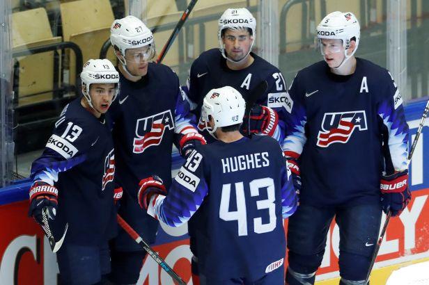 Američané si proti Korejcům zahráli exhibici, nováčka zostudili třinácti góly
